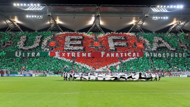 Le tifo provocateur du Legia Varsovie