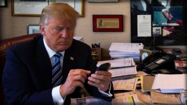 Donald Trump téléphone