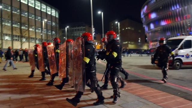 Police espagnole contre hooligans à Bilbao