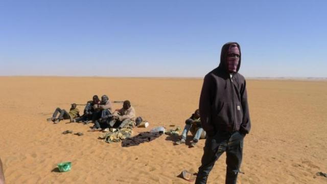 Audio. Algérie: un millier de migrants subsahariens jetés dans le désert, selon l'OIM