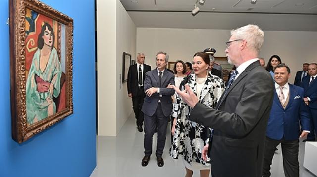 """Lalla Hasnaa Vernissage de l'exposition """"La Méditerranée et l'art moderne"""""""