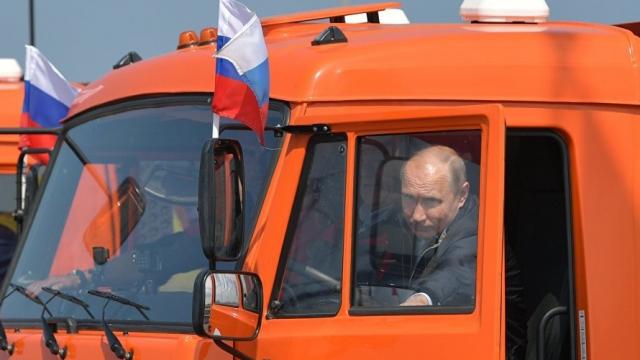 Poutine camion Crimée Pont Russie