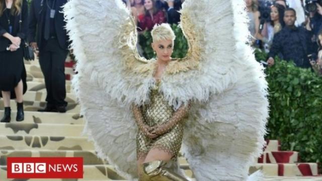 Katty Perry habillée en ange au MET 2018