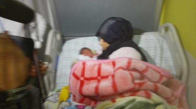 Casablanca-Maman ayant retrouvé son bébé