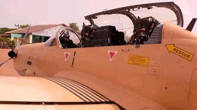 Diapo. Mali: L'armée prend possession de 4 nouveaux avions d'attaque