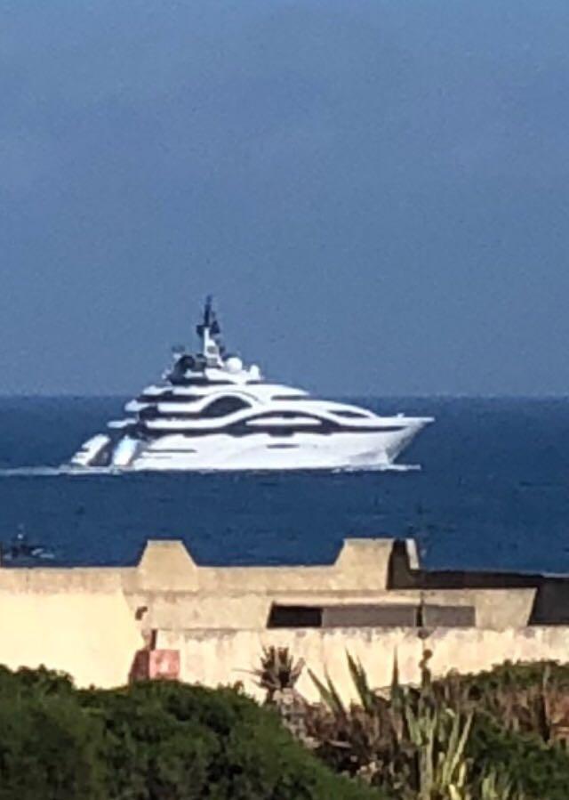Yacht royal-1