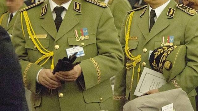 Algérie: liberté provisoire pour les cinq généraux corrompus