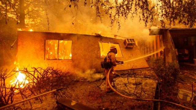 Violents incendies en Californie