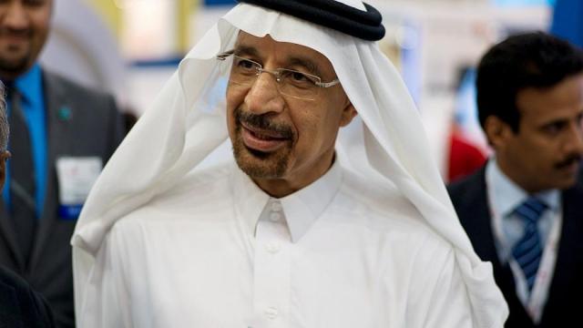 Pétrole: un ministre saoudien fait chuter le pétrole en deçà de 60 dollars