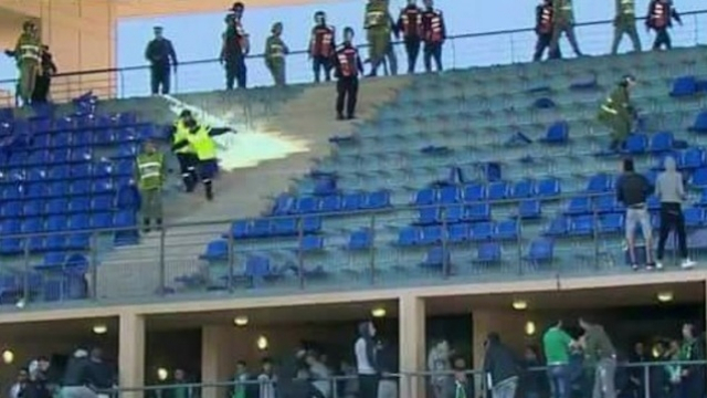Hooligans au stade de Marrakech