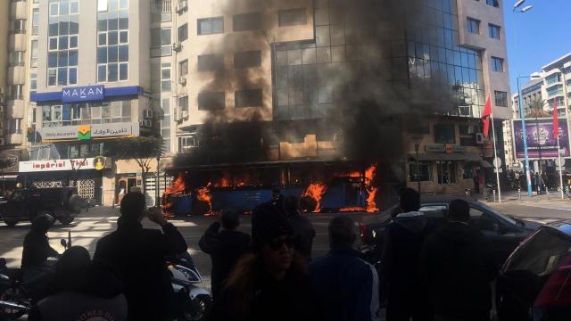 Un bus prend feu au Boulevard d'Anfa