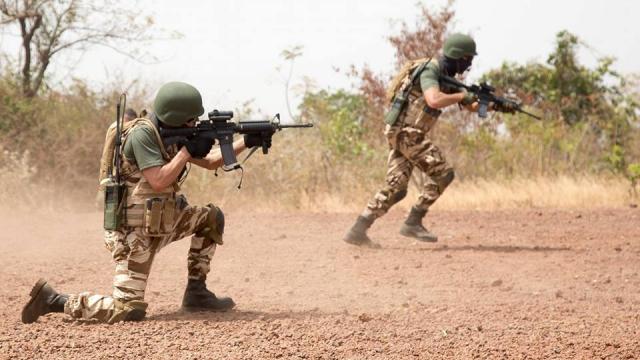 1d4ceabfb01 FAR  voici à quoi ressemble la nouvelle tenue de combat des Forces ...