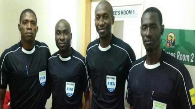 Le Sénégalais Meguette et ses assistants