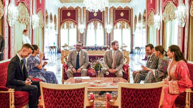 La famille royale avec le prince Harry et Meghan, lundi 25 février 2019, au Palais royal de Rabat.
