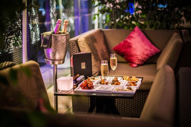 Casart Bar Lounge Sofitel Casablanca Tour Blanche