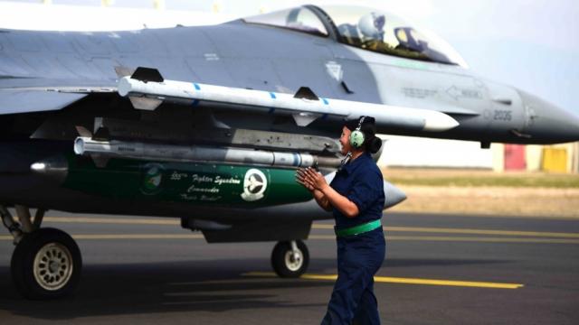 F16 US