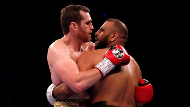 David Price vs Kash Ali boxe morsure