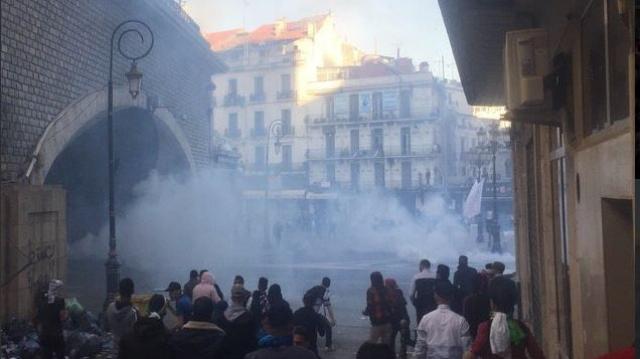 Bombes lacrymogènes