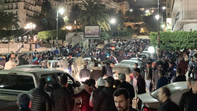 Algériens en colère contre le nouveau gouvernement