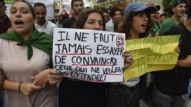 Manifestations d'étudiants contre Gaïd Salah le 21 mai 2019