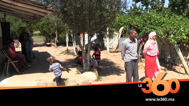 Cover_Vidéo: Le360.ma •  بمنزل اميمة الطفلة التي قتلها والدها ضواحي العرائش : LE360