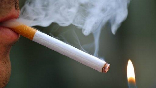 Les adolescents moins accros au tabac qu'avant