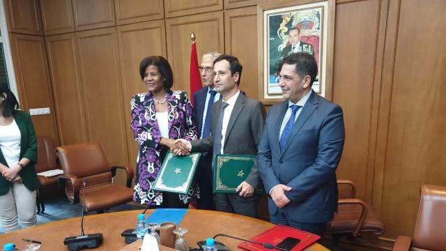 Signature accord prêt Banque Mondiale Enseignement