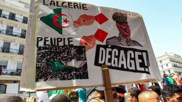 Algérie-321e vendredi-manif1