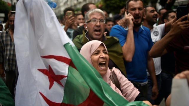 Algérie-321e vendredi-manif3