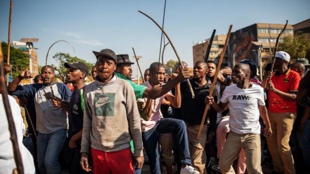 Vidéo. Afrique du Sud: le bilan macabre des violences xénophobes anti-africains s'alourdit