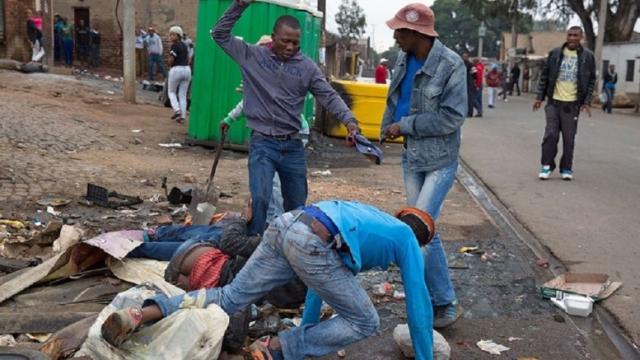 """Afrique du Sud: Ramaphosa dénonce enfin des violences xénophobes """"inacceptables"""""""