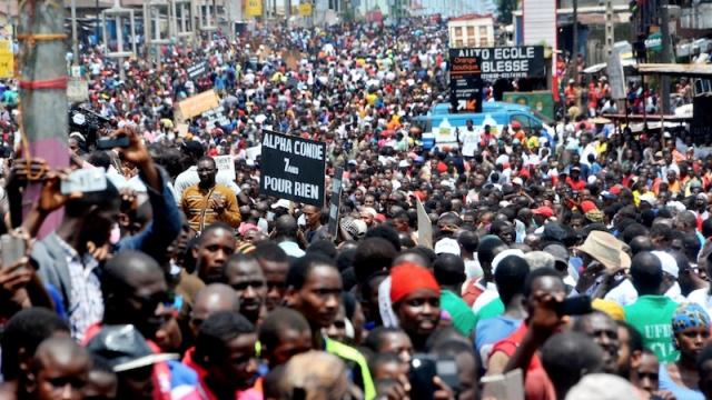 Guinée: vers l'escalade