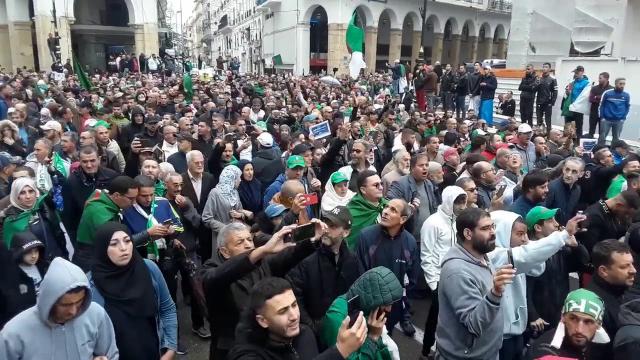 Vidéos. Algérie. 38e vendredi de contestation: la rue droite dans ses bottes