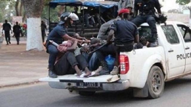 Vidéo. Sénégal: les forces de l'ordre usent d'une violence inouïe pour faire respecter le couvre-feu