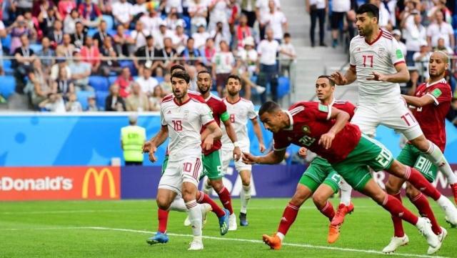 Le contre son camp d'Aziz Bouhaddouz contre l'Iran au Mondial 2018.