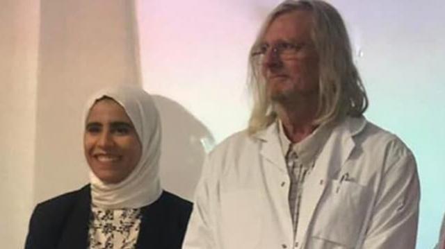 Sarah Bellali et le Professeur Didier Raoult
