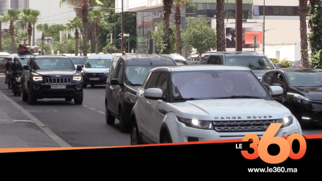 Cover Vidéo - الإزدحام واضطراب حركة السير يعود لشوارع البيضاء بعد أسابيع من السكون