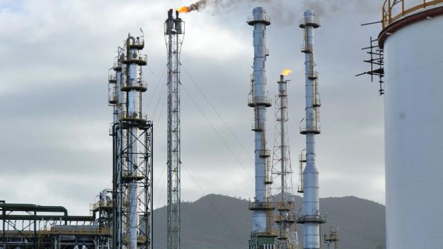 Raffinerie d'Alger: 10 ans de travaux et plus d'un milliard d'euros investis, pour ça