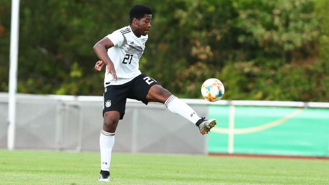 Bright Akwo Arrey-Mbi, jeûne talent camerounais du Bayern De Munich.