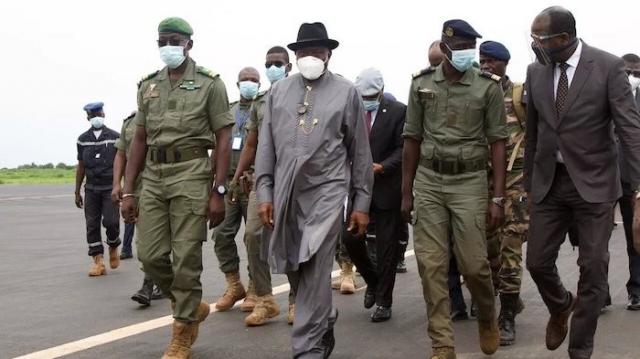 Mali: le marathon pour la levée des sanctions de la Cédéao se poursuit