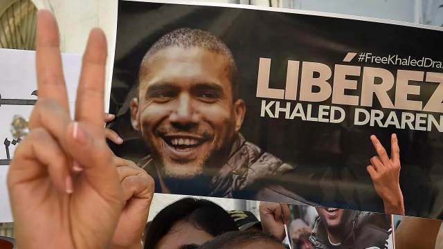 """Éditorial cinglant du journal """"Le Monde"""" contre le régime répressif algérien"""