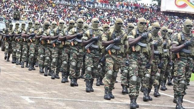 Guinée: probable mutinerie à 150 km de Conakry, les accès à la capitale bloqués