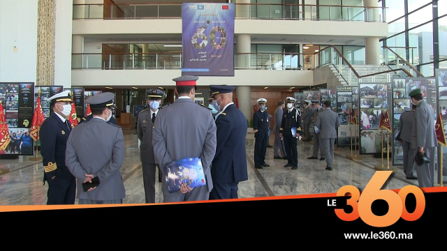 Cover Vidéo . في قلب معرض القوات المسلحة الملكية حول 60 سنة من المساهمة في عملية حفظ السلام في العالم