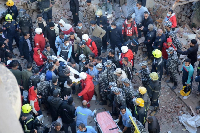 Effondrement immeuble - Le Caire - Egypte - Secouristes