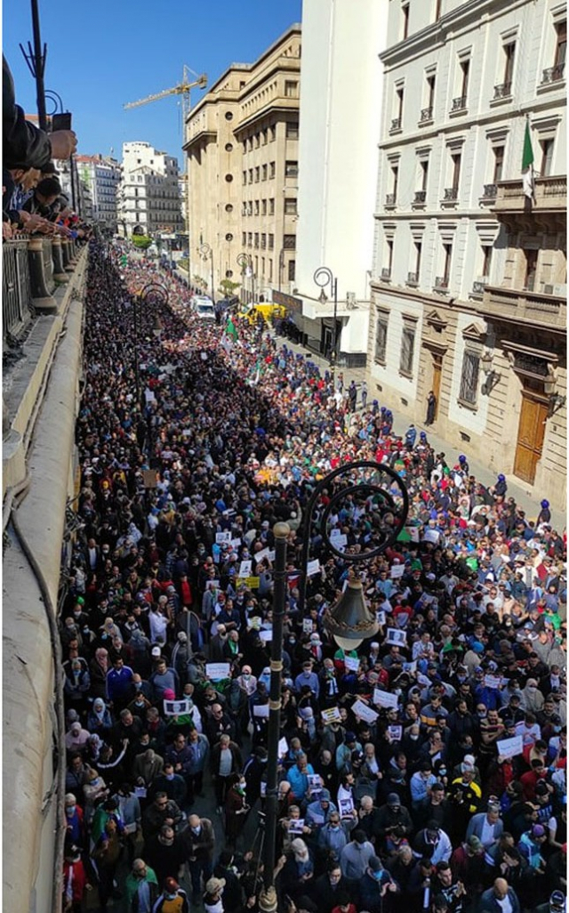 Manifestation monstre à Alger
