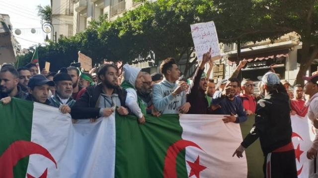 Algérie. Climat social: les pompiers mettent le feu, les enseignants font l'école buissonnière