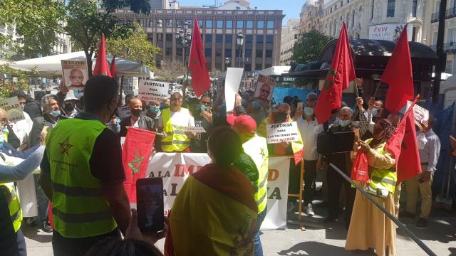 Manifestation de Marocains devant l'Audience nationale, à Madrid, pour demander l'arrestation de Brahim Ghali
