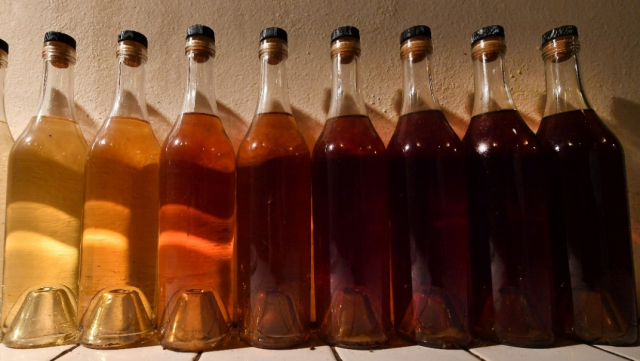 alcool - bouteilles - artisanal