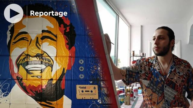"""cover: يونس ميلودي.. فنان تشكيلي يُحوّل """"كاسيطات"""" إلى لوحات فنية"""