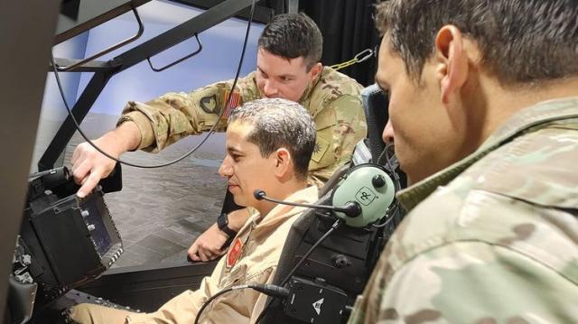 FRA - Forces Royales Air - Simulateur - Hélicoptère Apache - Utah